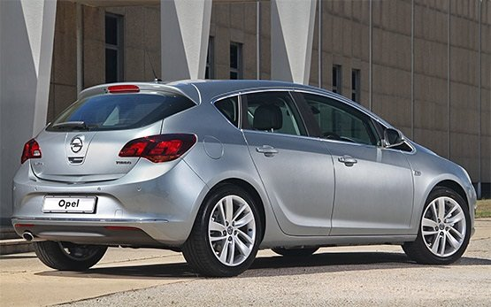 Vista lateral » 2016 Opel Astra Hatchback