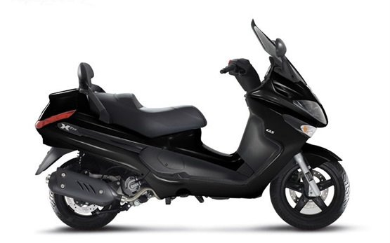 2015 piaggio x evo 125cc scooter rental in paris france. Black Bedroom Furniture Sets. Home Design Ideas