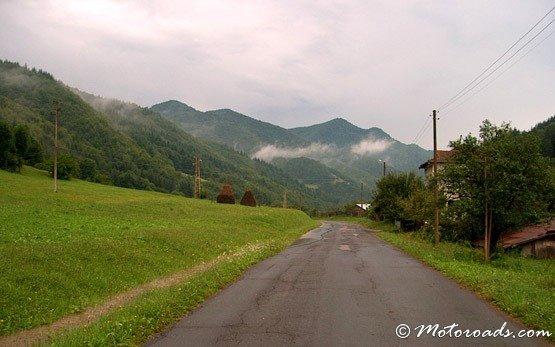 Road to Ribaritsa