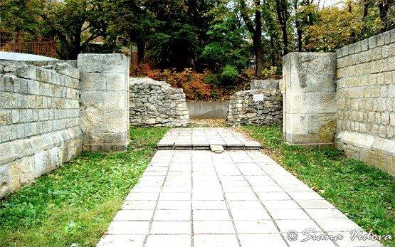 Руины крепости- Разград