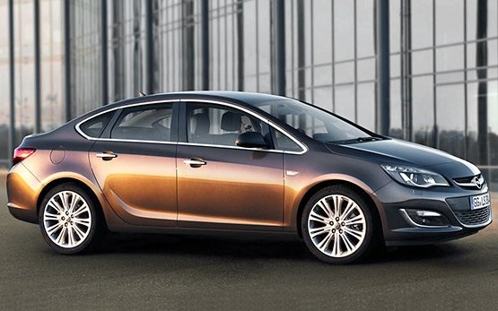 Side view » 2014 Opel Astra Automatic