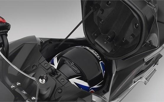 Honda NC700X - alquiler de motocicletas en Liubliana