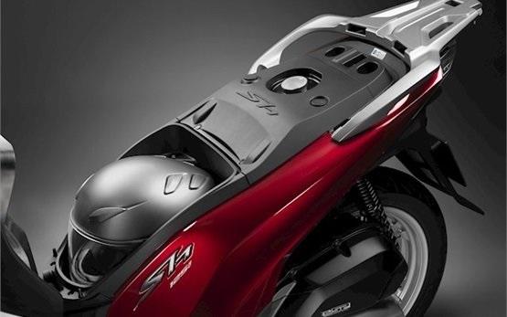Honda SH 125 - скутер под наем Сардиния - Алгеро