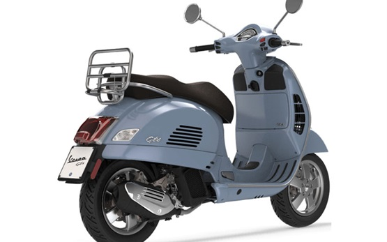 Piaggio Vespa 300 GTS - scooter rental Italy