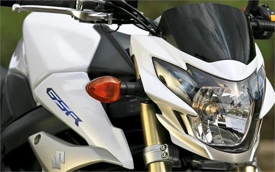 Suzuki GSR 750 - мотоциклет под наем Klaipėda, Литва