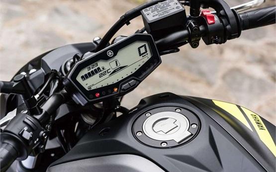 Yamaha MT-07 - Motorrad mieten Tarragona