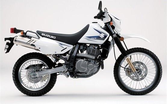 Suzuki DR 650 SE - alquilar una motocicleta en Barcelona