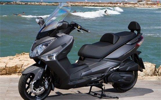 SYM GTS 300cc - аренда скутера в Нице