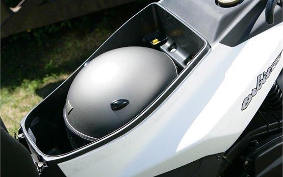 2013 СИМ Орбит 125cc - прокат скутера - Турции