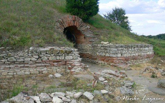 Тракийская гробница - Поморие