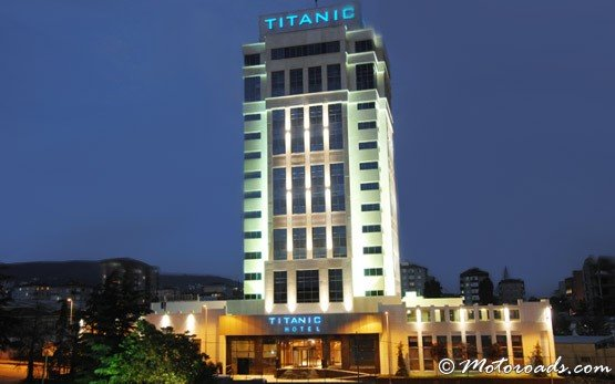Titanic Hotel, Kartal District