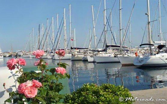 Яхтено пристанище - квартал Бакъркьой -Истанбул