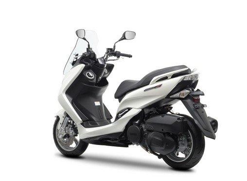 Ямаха Маджести 125 - скутер напрокат Малага