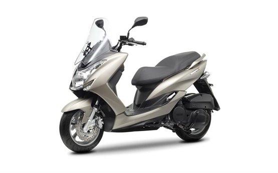 Ямаха Маджести 125 - прокат скутеров Малага