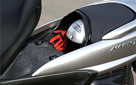 Ямаха Маджести 400 - скутер напрокат Альгеро, Сардиния