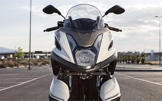 Yamaha Tricity 125cc - прокат скутера Португалии