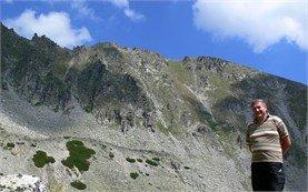Участници в планински туризъм в Рила