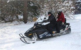 People on snowmobile tours in Bansko