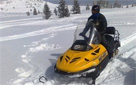 People on snowmobile tours in Borovets