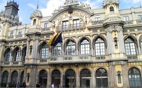 Пристанище Барселона - сграда
