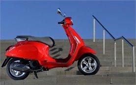 2013 Пиаджио Веспа скутер под наем