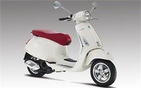 Piaggio Vespa 125 Primavera - scooter rental in Milan