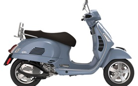 Piaggio Vespa 300 GTS - scooter rental in Milan