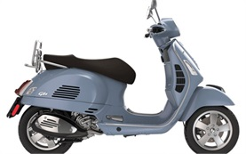 Пиаджио Веспа 300 GTS скутер под наем в Рим