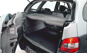 Rear view » 2004 Renault RX4