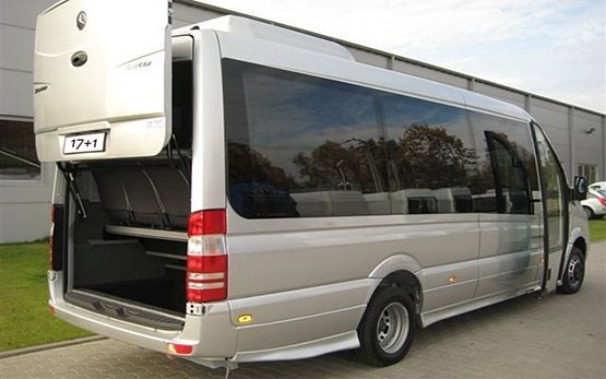 Vista posterior » 2015 Mercedes Sprinter 17+1