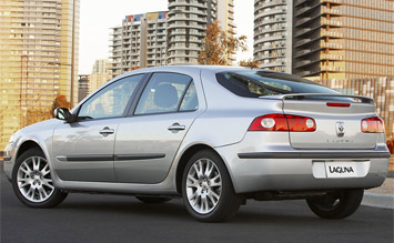 Rear view » 2005 Renault Laguna