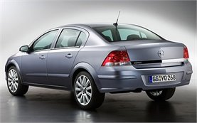 Rear view » 2007 Opel Astra Hatchback