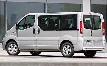 Rear view » 2010 Opel Vivaro 8+1