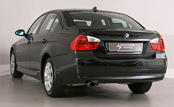 Rear View 2015 BMW 318 D