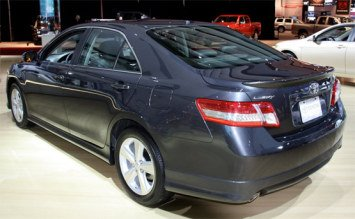 Side view - 2010 Toyota Camry 2.4