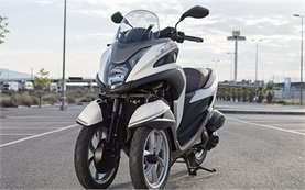 Yamaha Tricity 125cc - scooter rental in Barcelona
